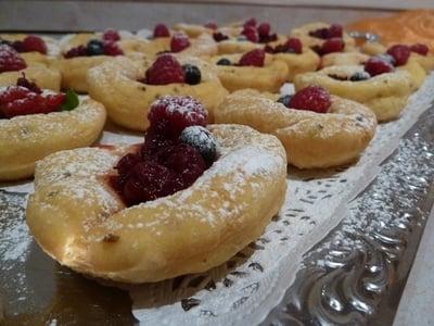 Sara's Buffet von süßen Südtiroler Köstlichkeiten