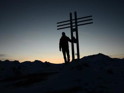 Watles: Pistenskitour und Schneeschuhwanderung