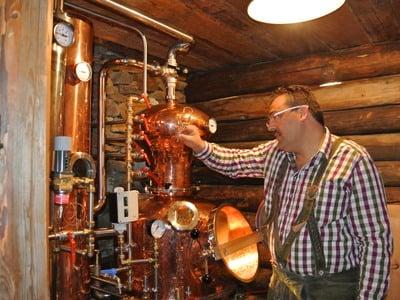 Destillare la grappa con Manni