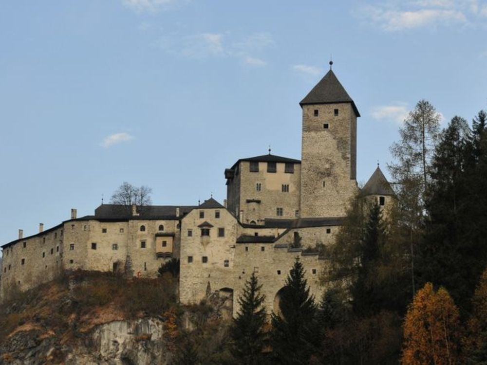 Taufers Castle and the Riva (Reinbachfälle) Waterfalls