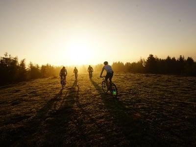 Early bird ride - unforgettable sunrise biketour