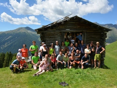 Auf die Berge, fertig, los! Familienwanderung auf die Hauseigene Alm