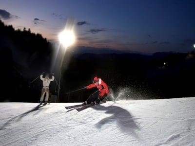 Nachtskifahren und Nachtrodeln