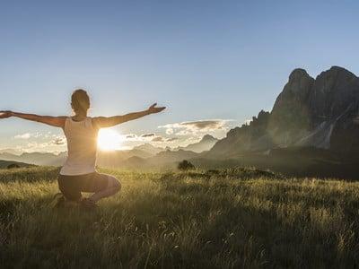 Camminare in montagna è sano: mantiene giovani e in forma!