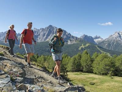 Wandern ist gesund, hält jung und fit!