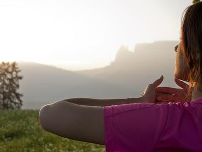 Respirare profondamente: un gesto semplice, ma di grande importanza.