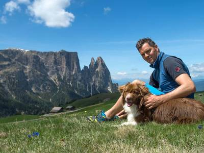 Avventura per uomo e cane nelle Dolomiti