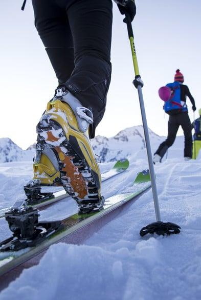 Possibilità di noleggiare l'equipaggiamento da scialpinismo grazie alla cooperazione con un negozio sportivo locale.