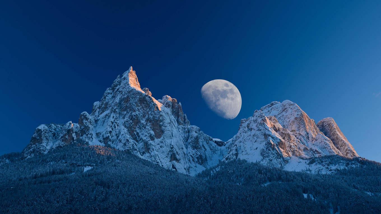 Auf leisen Sohlen über die Seiser Alm - Schneeschuhwandern in den Dolomiten