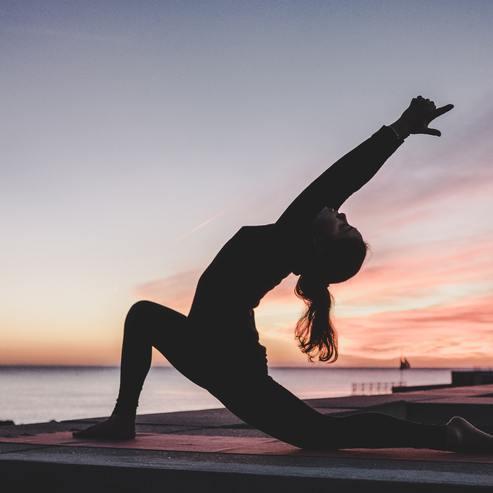 Programma yoga regolare per tutto l'anno in alcuni hotel