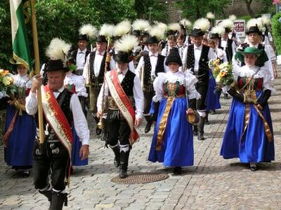 Grande festa del paese a Castelrotto