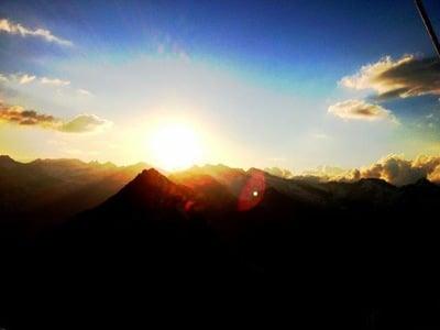 Kraft schöpfen beim Sonnenaufgang am Zinseler