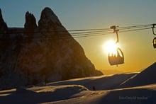 Sonnenskilauf im Weltnaturerbe Dolomiten