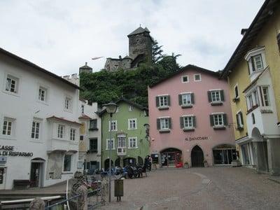 Durch die Altstädte von Brixen und Klausen