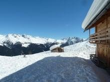 Sonnen - Schneeschuhtour zu den Pfinnhütten (2130m)