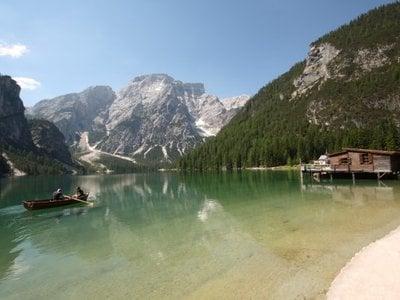 Die Perle der Pustertaler Dolomiten - der Pragser Wildsee
