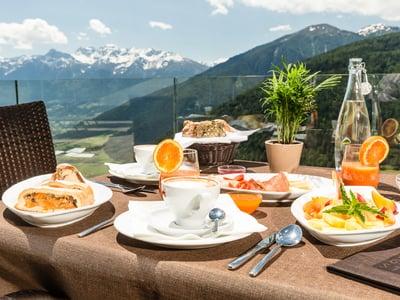 Gerstls Vitalfrühstück auf unserer Panoramaterasse