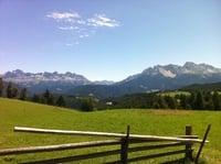 Die Sonne genießen in den Dolomiten