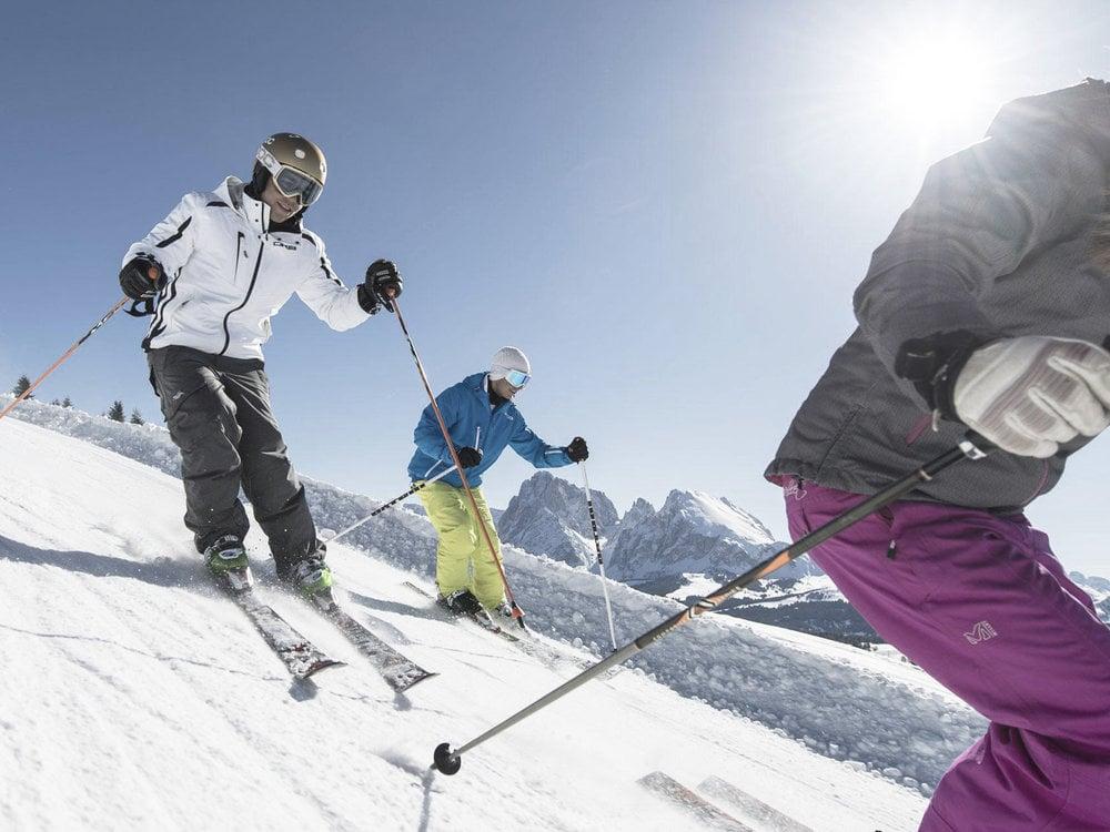 Auf den Skiern durch die Dolomiten