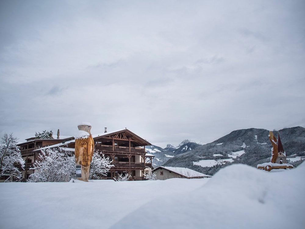 Schneeschuh- und Wellnessgenuss am schönsten Balkon zu den Dolomiten
