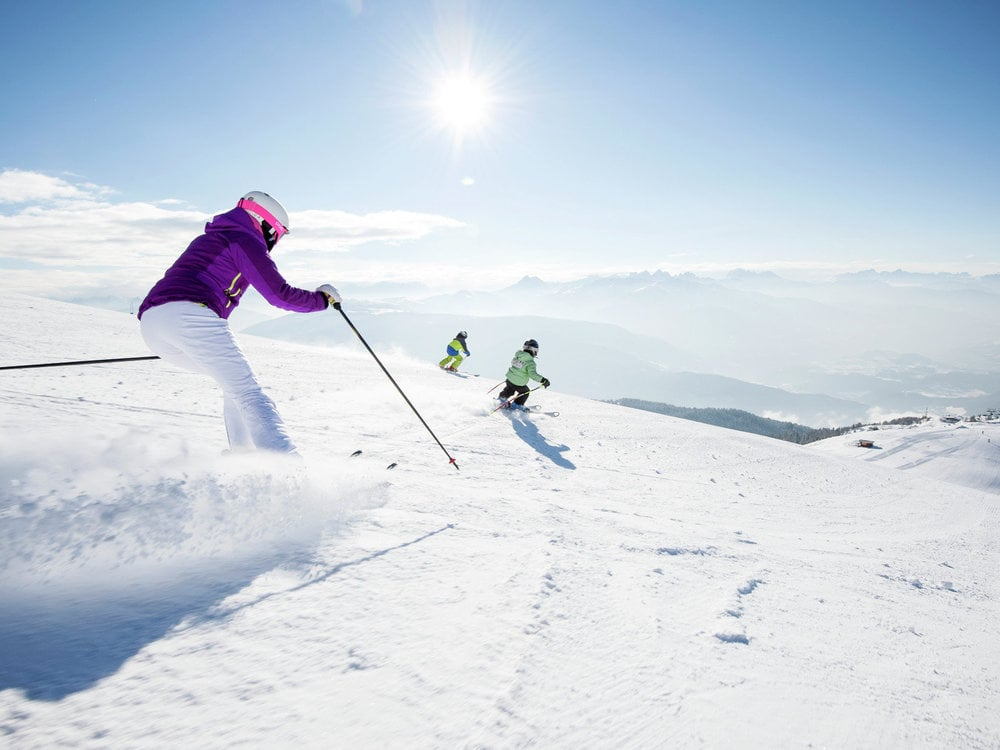 Skiing in the Dolomites 6+1 / 1 day for free