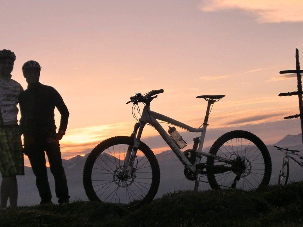 Early bird E-Bike sul Giogo della Croce Ammirare l'alba