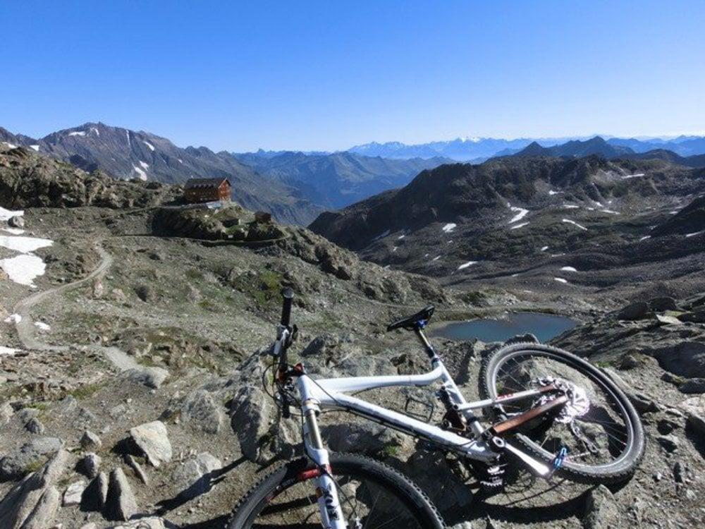 Gipfelerlebnis mit den Highlight Touren der Ötzi Bike Academy - Eisjöchl  + Madritschjoch