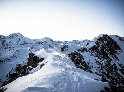 Skitourengehen in der Gruppe