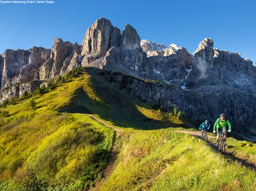 "Living the Dolomites ""Active"""