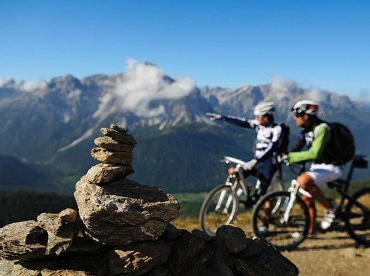 "Bike Highlights im Sexten Sommer mit Sellaronda Hero, Spirit of Stoneman und ""Giro delle Cime"""